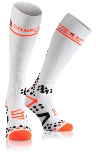 la chaussette full socks compressport est efficace. Un confort accru en fin de partie ou sur plusieurs matches. Différentes parties étudiées. Plutôt dédiées à la récupération mais si on supporte d'avoir le pied un peu serré elles peuvent servir pendant l'effort.