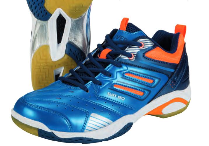 La paire de chaussures de squash Oliver SAT 80  est stable assez large. Elles chaussent standard, si vous êtes entre deux pointures  choisissez quand même la supérieure.