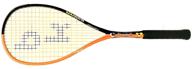 <strong>La raquette de squash Black Knight ION CANNON POWER SURGE de Mathieu Castganet</strong> est une raquette puissante et réactive. pas de déformation de cadre. Housse complète et cordée.