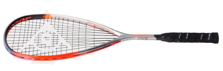 La raquette de squash <strong>Dunlop Hyperfibre XT Revelation 135 HL</strong> possède un énorme tamis de 500cm2, la revelation XT 135 Dunlop troisième du nom, est facile à prendre en main, très agréablement en main, à l'aise dans tous les compartiments du jeu, maniable. Elle a une très bonne répartition de masse entre poids et équilibre. Le contact avec la balle est très agréable.