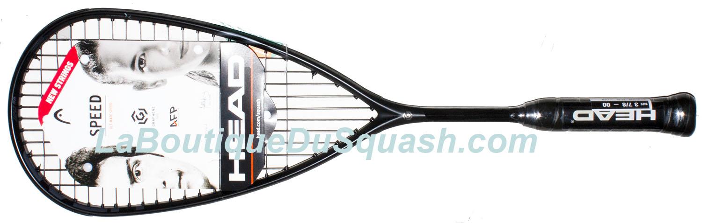 Magnifique raquette de squash Head cette Graphene 360 speed 120 SB, que ce soit à la vision ou à la prise en main. Une raquette dynamique, un simple coup de poignet permet une réactivité de la raquette. Une raquette qui donne envie de créer des coups de folie. Elle possède maniabilité, un bon équilibre avec juste ce qu'il faut en tête, une réactivité. Tous ces éléments donnent envie de prendre du plaisir à la frappe. Elle est fabriquée et conçue avec une très belle finition, avec pour preuve les cordes complètement intégrées dans le joncs, bravo. 146gr sur la balance.