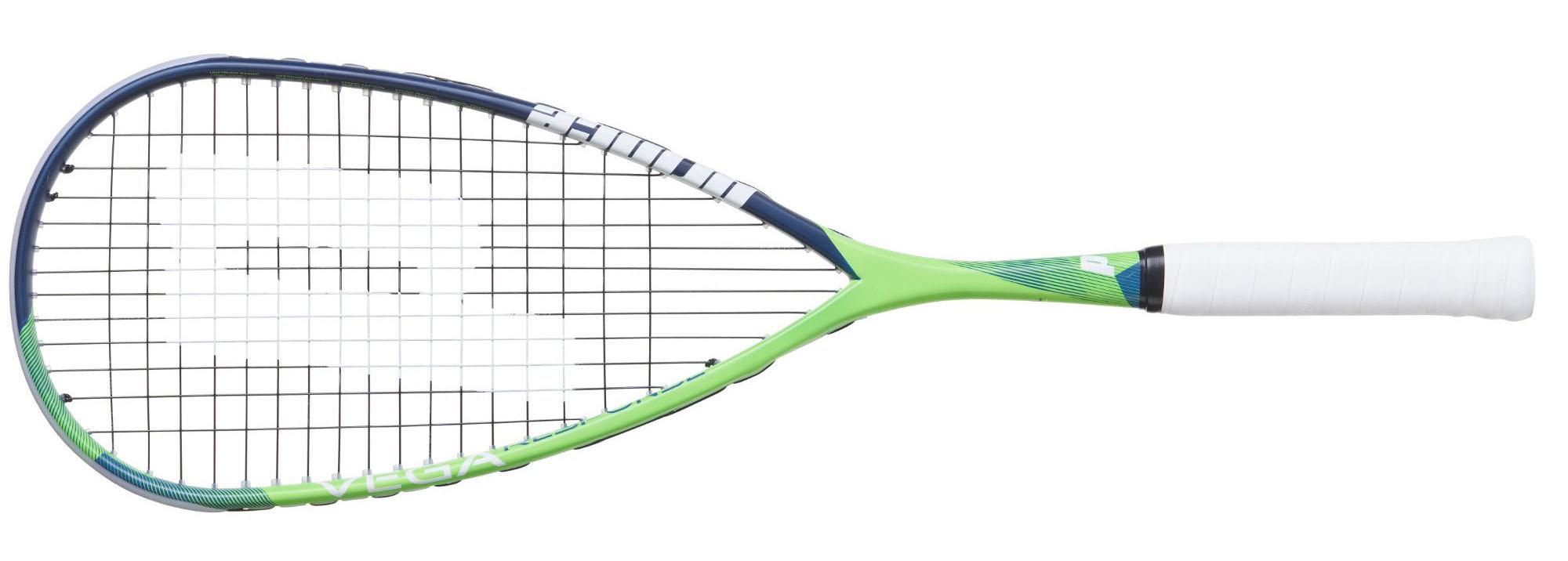 La raquette de squash Prince Vega Response 400 est une arme d'attaquant. Elle n'est pas dans la lignée des autres Prince en terme de géométrie de cadre et surtout d'épaisseur. La rigidité accrue apporte précision, puis compensée par un plan de cordage à 12 cordes, la frappe est très agréable. Les très gros frappeurs seront à leur aise mais ne devront pas placer un cordage trop fin. La raquette de squash Prince Vega Response 400 est en plus au couleur de la marque !